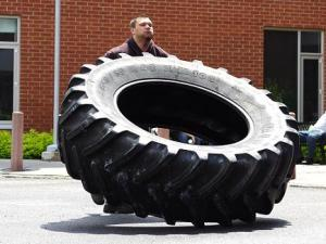 Mr Tiny and Giant Tire