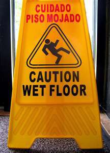 Wet Floor-Piso Mojado Sign