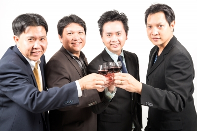 Korean Men Say Have a Drink